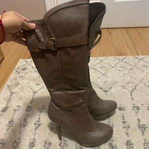 High fashion taupe boots